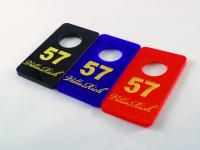 Гардеробные номерки из цветного акрила (гравировка лазером + затирка краской)